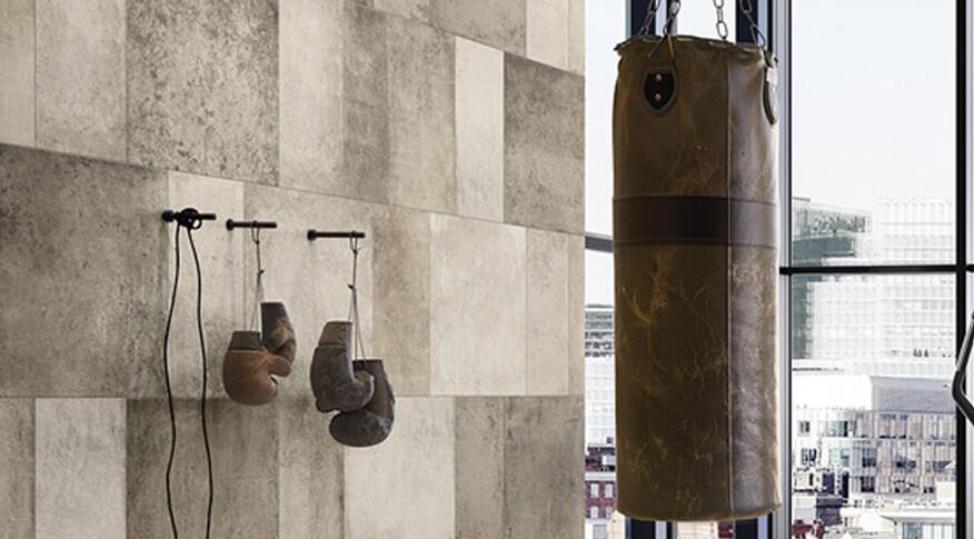 Die Serie Workshop von Villeroy & Boch erinnernt an in die Jahre gekommene Holzbohlen.