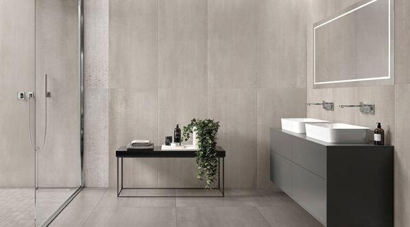 Metalyn Optima begeistert mit harmonischen Farben und Formaten für ästhetisch besonders anspruchsvolle Raumkonzepte. Im Bild: Metalyn Optima in der Farbe Pearl und im Format 60x120 cm.