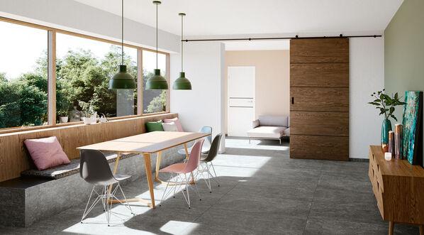 Gestalten Sie zeitlose Raumkonzepte, die Natürlichkeit und Modernität vereinen. Im Bild: Agrob Buchtal Timeless in der Farbe Black.