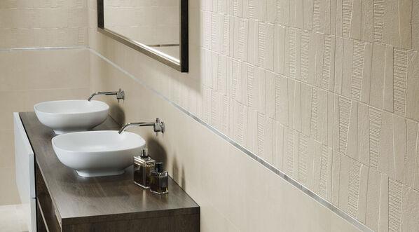 Moderne Strukturen und klare Farben: Dekorfliese Boreal Concept Beige 30x90 cm.