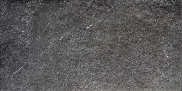 Eine Nahaufnahme der Boden und Wandfliese von Villeroy & Boch Boulder Country in Schwarz.