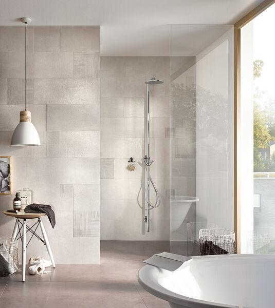 Das Badezimmer kann ebenfalls mit Fliesen von Thinsation ausgestattet werden.