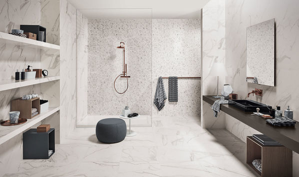 Das Badezimmer kann mit Mosaiken der Serie Love Tiles Precious erfrischt werden.