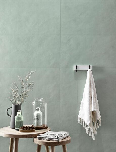 Love Tiles, Splash, Green Die Fliesen der Serie Love Tiles Splash sorgen mit ihrer matten Oberfläche und natürlichen Struktur für ein elegantes Flair im Badezimmer.