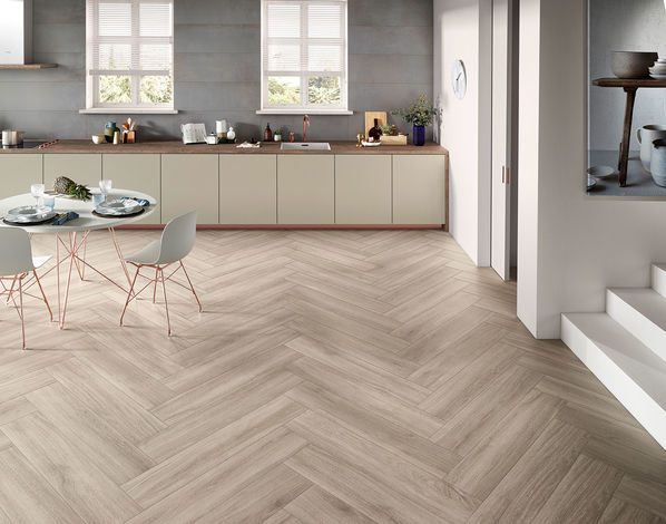 Fischgrät-Look mit Timber von Love Tiles: Mit den schmalen 100x20cm Fliesen ist das möglich.