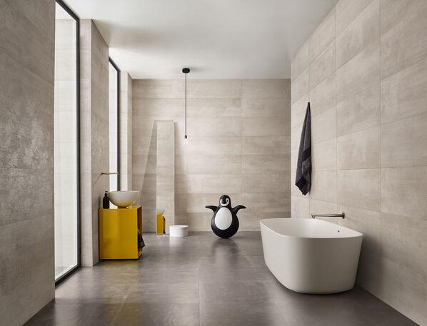 Das Badezimmer wirkt frisch und offen mit Love Tiles Urban.