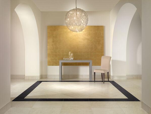 Die Serie New Tradition von Villeroy & Boch bietet viele Formate und eine überzeugende Marmoroptik.