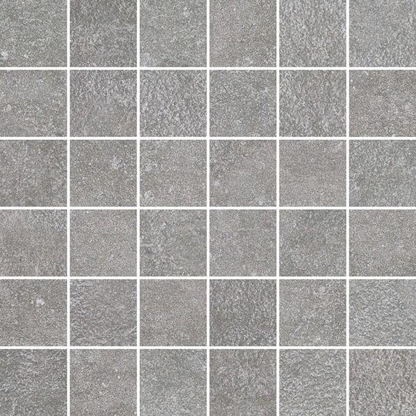 Ein Mosaik der Serie Northfield in der Farbe Grey.