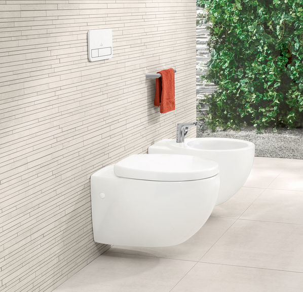 Der Toilettenbereich wurde mit Stäbchenmosaiken Upper Side von Villeroy & Boch realisiert.