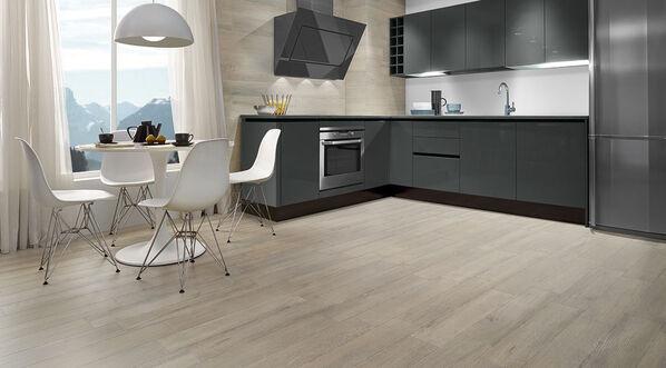 Love Tiles Fusion Holzoptik Fliesen in einer Küche in der Farbe Tortora.