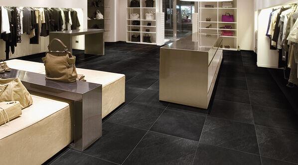 Moderne und Natürlichkeit in Einem: XL Style Ardosia in der Farbe Nero, 60x60 cm.