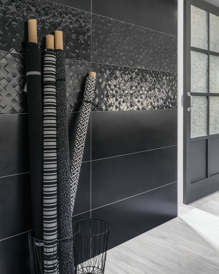 Diese Serie ist puristisch und deifniert sich über eine klare, geometrische From. So können Sie Ihre Räume modern-minimalistisch gestalten.