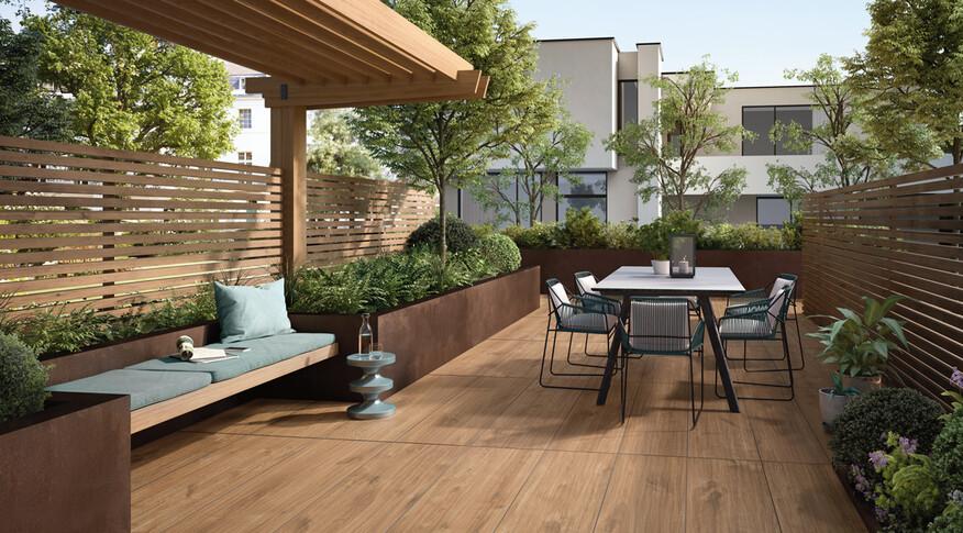 Holzoptik Fliesen überzeugen auch als Terrassenplatten mit 2cm Stärke, wie Marazzi Treverkhome 20 im Format 60x60cm und der Farbe Quercia.